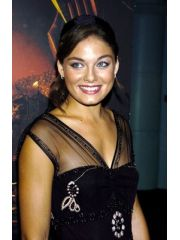 Alexa Davalos Profile Photo