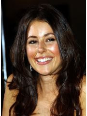 Amanda Crew Profile Photo