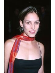 Amy Jo Johnson Profile Photo