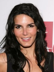 Angie Harmon Profile Photo