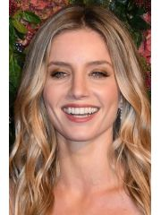 Annabelle Wallis Profile Photo