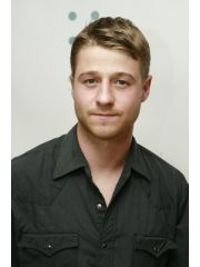 Link to Benjamin McKenzie's Celebrity Profile
