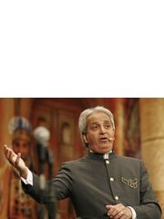 Benny Hinn Profile Photo
