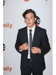 Charlie McDermott Profile Photo