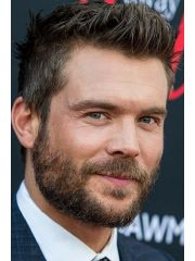 Charlie Weber Profile Photo