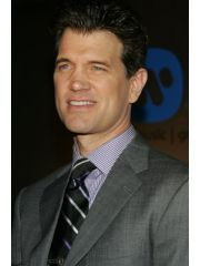 Chris Isaak Profile Photo