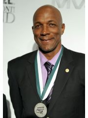 Clyde Drexler Profile Photo