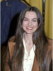 Crystal Gayle Profile Photo