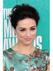 Crystal Reed Profile Photo