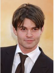 Daniel Gillies Profile Photo