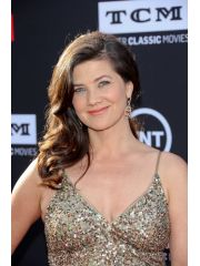 Daphne Zuniga Profile Photo