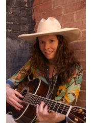 Edie Brickell Profile Photo