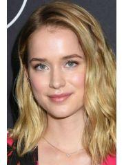 Elizabeth Lail Profile Photo