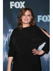 Emily Deschanel Profile Photo