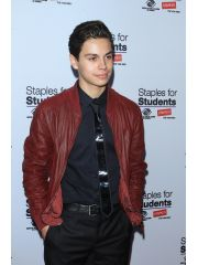 Jake T. Austin Profile Photo