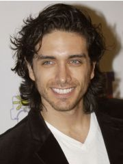 Josh Keaton Profile Photo