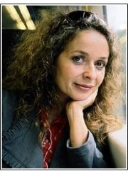 Julia Sawalha Profile Photo