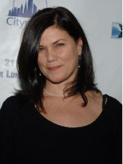Linda Fiorentino Profile Photo