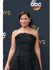 Maura Tierney Profile Photo
