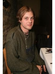 Michael Pitt Profile Photo
