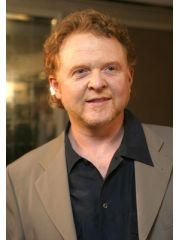 Mick Hucknall Profile Photo