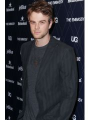 Nathaniel Buzolic Profile Photo