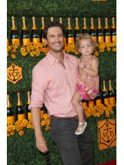 Oliver Hudson Profile Photo
