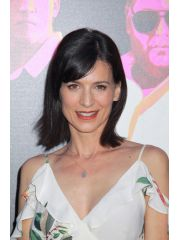 Perrey Reeves Profile Photo