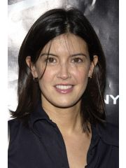 Phoebe Cates Profile Photo