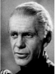 Raymond Massey Profile Photo