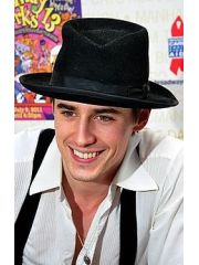 Reeve Carney Profile Photo