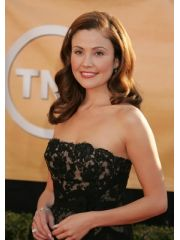 Reiko Aylesworth Profile Photo