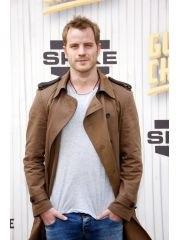 Robert Kazinsky Profile Photo