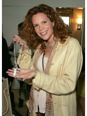 Robyn Lively Profile Photo