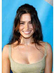 Sarah Shahi Profile Photo