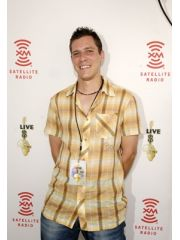 Stefan Lessard Profile Photo