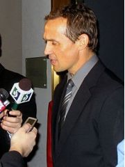 Steve Yzerman Profile Photo