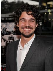 Steven Strait Profile Photo