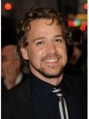 T. R. Knight Profile Photo
