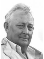 Tony Hillerman Profile Photo